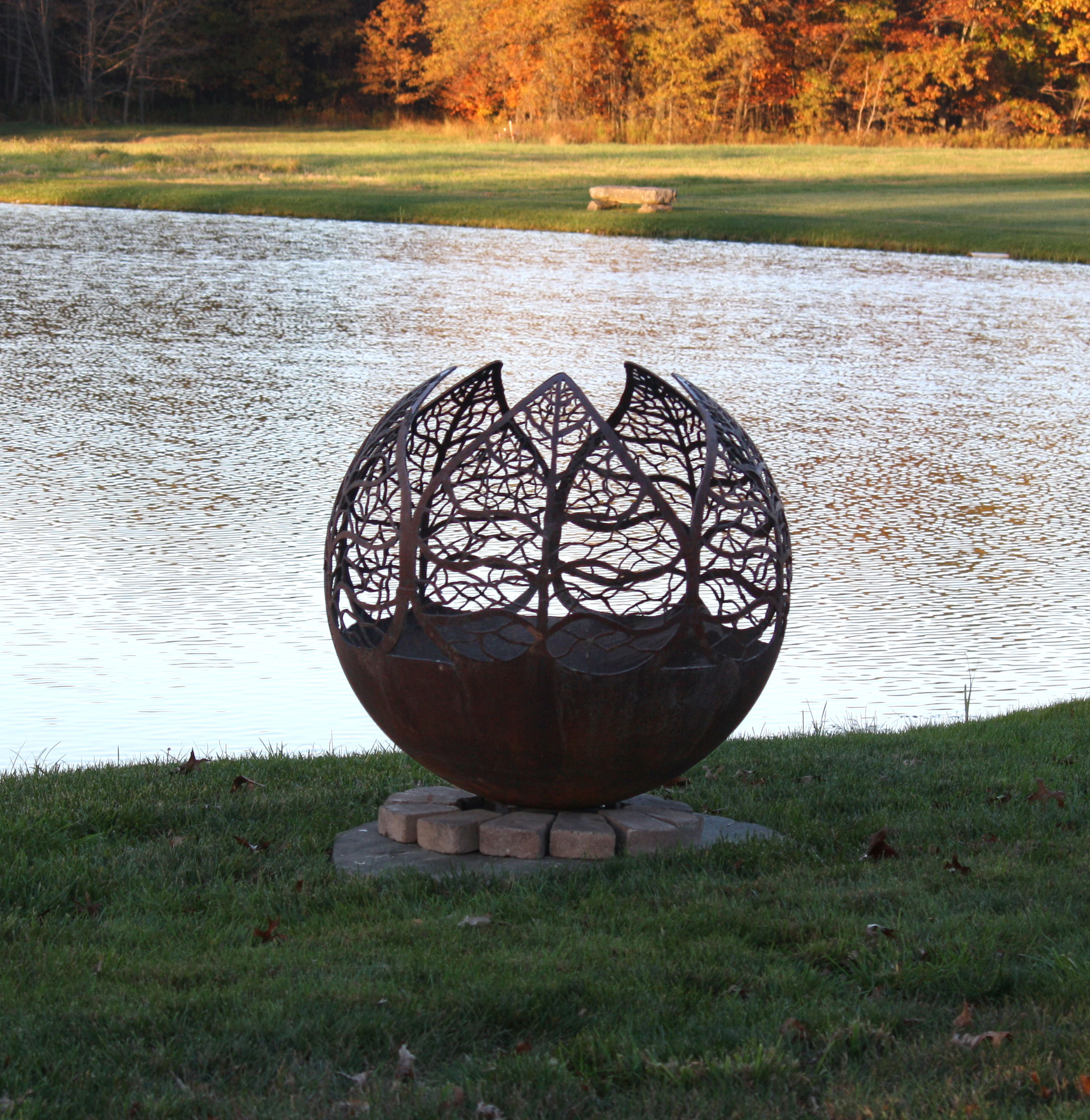A Beautiful Fire Pit For All Seasons